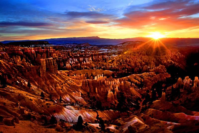 黄卫东在新会举办美国西部风光摄影作品展